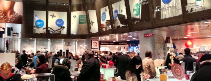 MoMA Design Store is one of Coffee Places NYC.
