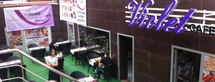 Violet Cafe & Bistro is one of Kızılay Mekanları.