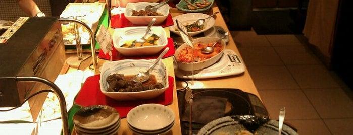 旬菜厨房 奈のは 海浜幕張店 is one of 食べ放題.