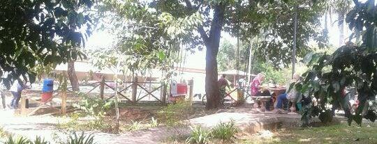 Gerai Makanan Flat Sri Serdang is one of Eateries around UPM Campus.