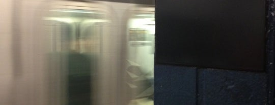 MTA Subway - Chambers St (1/2/3) is one of Subway Stations.