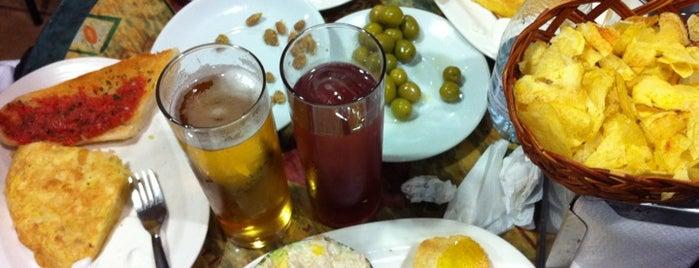 Bar El Nido del Buho is one of Bares.