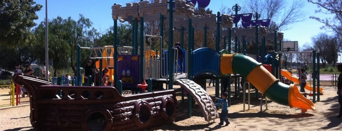 Parque de los Pitufos is one of ir con mi Vero.