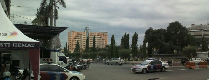 Simpang Lima is one of Semarang Spots.