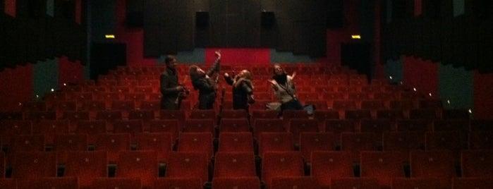 Каро Фильм «Баррикады» is one of Московские кинотеатры | Moscow Cinema.