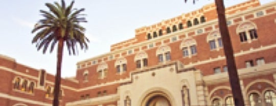 Doheny Memorial Library (DML) is one of Meus lugares.