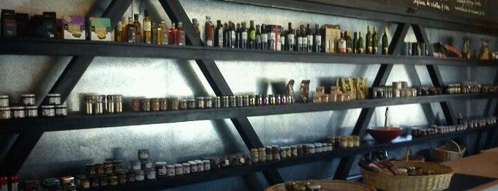 Gabriela Café is one of Bares, restaurantes y otros....