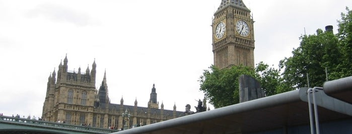 Big Ben (Elizabeth Tower) is one of London as a local.