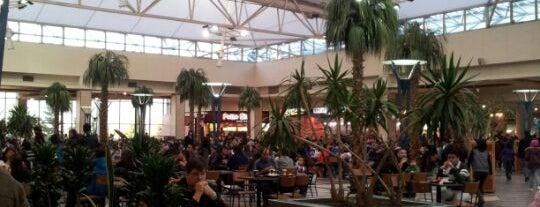 Patio de Comidas Mall Florida Center is one of Lugares :).
