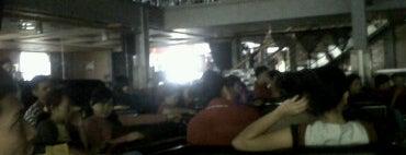 de Luna Resto & Café is one of Top 10 dinner spots in Makassar, Indonesia.
