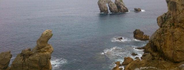 Playa De Portio is one of Guía de Cantabria.