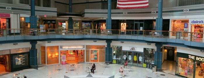 The Shops at Liberty Place is one of Alyssa's Philly Life.