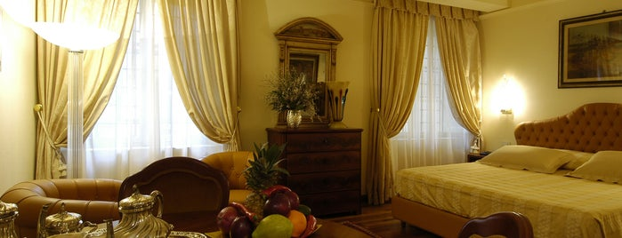 Hotel Noblesse***** is one of Alloggiare a Lucca C&G.