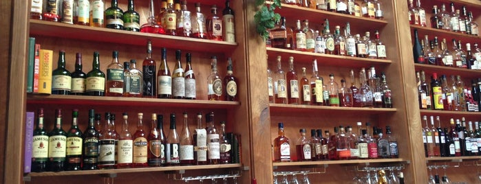 Whisky Bar is one of Seattle Fun.
