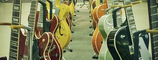 Matt Umanov Guitars is one of Best guitar shops.