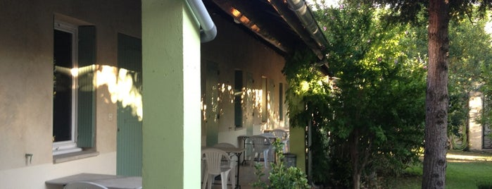 Alberghi for Au saint roch hotel jardin