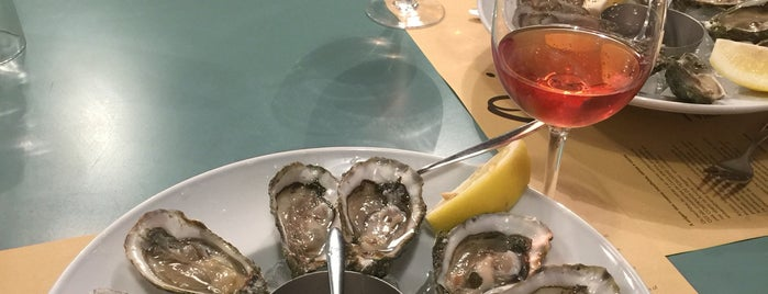 Oui Moules & Huîtres is one of Startup lisboa city guide: foods & drinks.