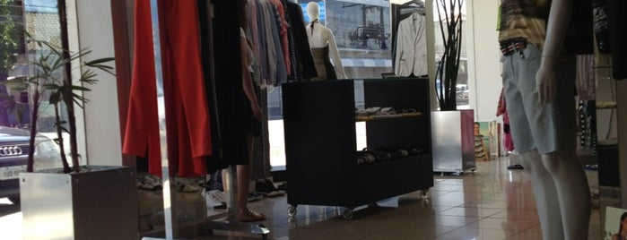 Calvin Klein Jeans Macapá is one of Lojas.