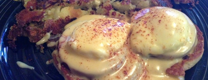 Los Gatos Cafe is one of Top Breakfast Spots.