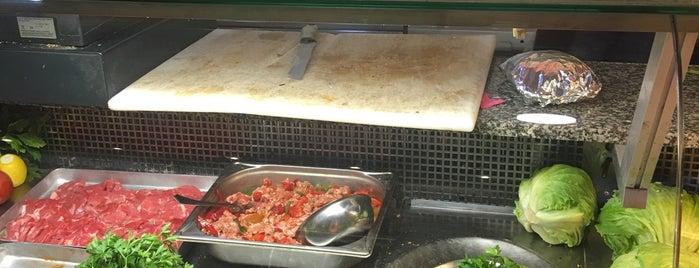 Recep Usta Köfteci is one of Türkisch Fast Food.