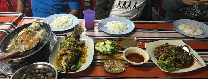 Medan Ikan Bakar, Kuala Perlis is one of Makan @ Utara #7.