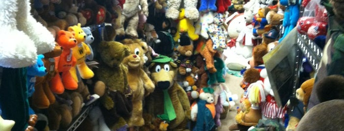 Teddy Bear Town is one of Rapid City, SD.