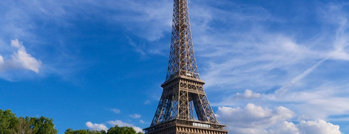 Torre Eiffel is one of Go Ahead, Be A Tourist.