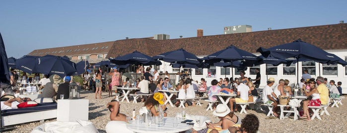 Navy Beach Restaurant is one of Favorite Outdoor Dining Places.