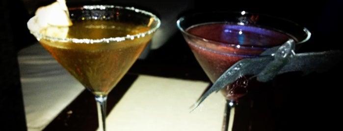 Sama Martini Bar is one of Antros Gay.