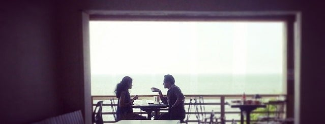 Café Sea Side is one of Mumbai amazing spots.