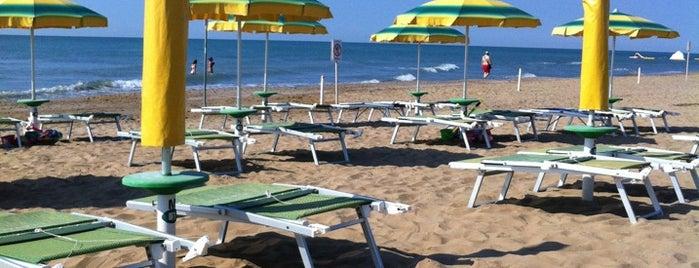 Stabilimento Relax Beach is one of Пляжи италии.