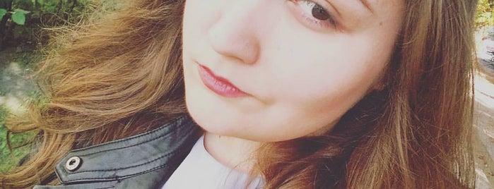 Szeligowska is one of ♥♥.