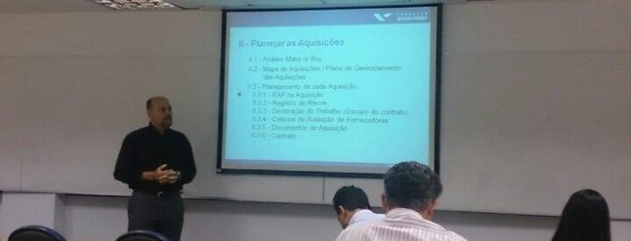 Fundação Getulio Vargas (FGV) is one of Unidades FGV no Rio.