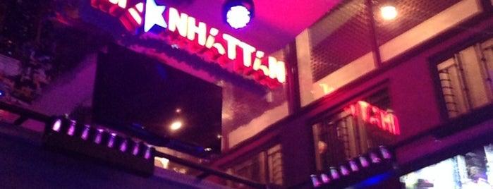 Skybar Manhattan is one of Ночная жизнь в Ровно.