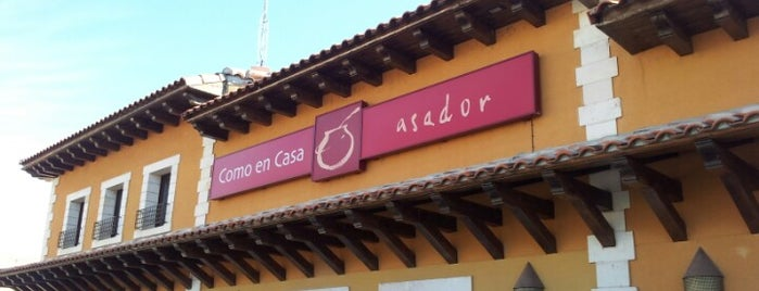 Asador Como en casa is one of Restaurantes y bares favoritos.