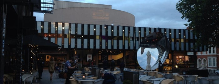 Nottingham Playhouse is one of Lights, luvvies and laughter.