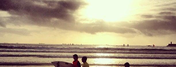 Praia de Matosinhos is one of Sítios que valem a pena ir no Grande Porto.