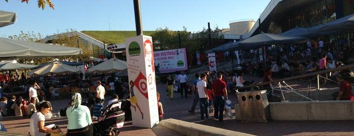 Meydan İstanbul is one of Istanbul - En Fazla Check-in Yapılan Yerler-.