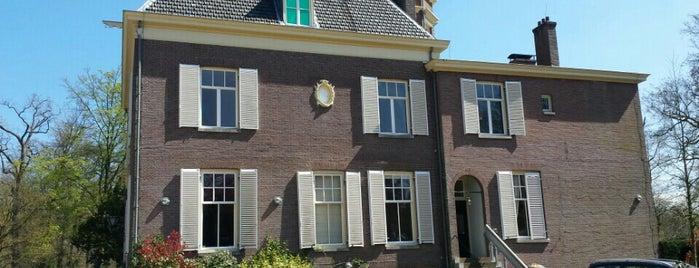 Jagtlust is one of Buitenplaatsen 's-Graveland.
