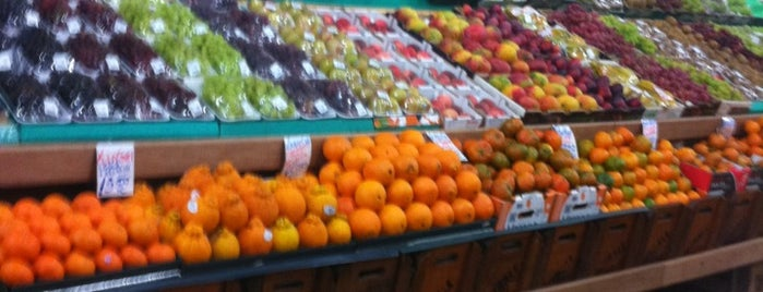 Mercado Municipal de Santo Amaro is one of Restaurantes.