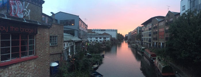Regent's Canal (Kingsland Road) is one of Awesomest Spots NYC & Beyond.