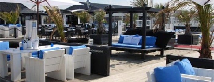Beachclub De Zeemeeuw is one of Almere.