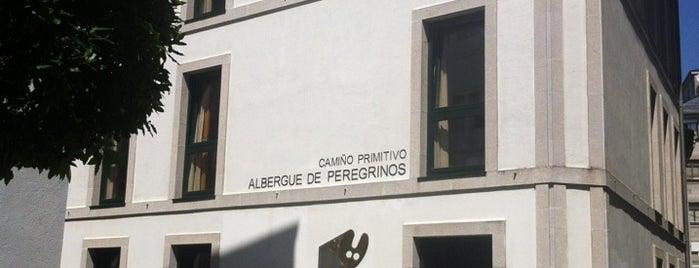 Albergue De Peregrinos is one of Les chemins de Compostelle.