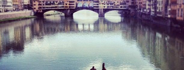 Ponte Santa Trìnita is one of Firenze.