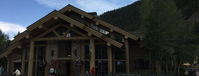 River Run Day Lodge is one of 5B.