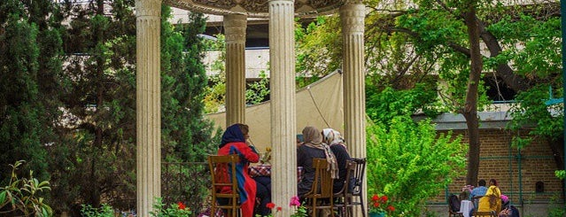 Negarestan Garden | باغ نگارستان is one of Go Ahead, Be A Tourist.