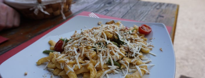 Inte Cornigian is one of Favorite Food.