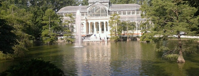 Parque del Retiro is one of AFTERNOON.