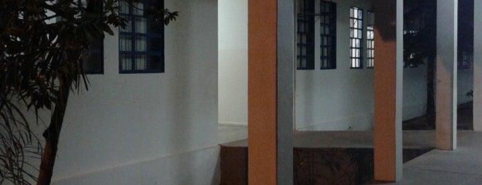 Centro de Ensino Médio José Alves de Assis is one of Educação em Paraíso do Tocantins.