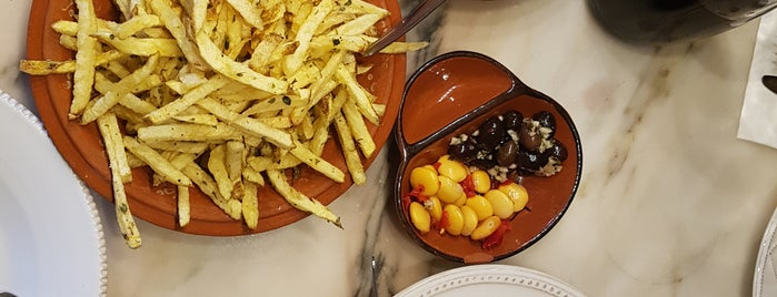 Taberna Sal Grosso is one of Tapas / Petiscos.